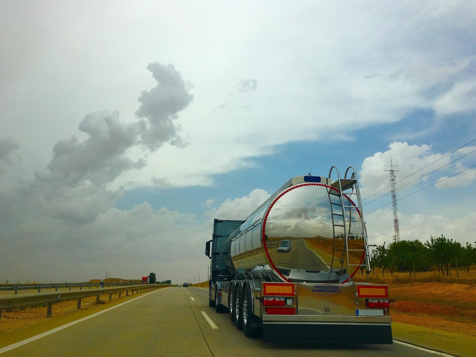 cisterna en carretera